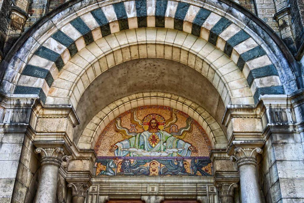 La iglesia en la Edad Media - 2