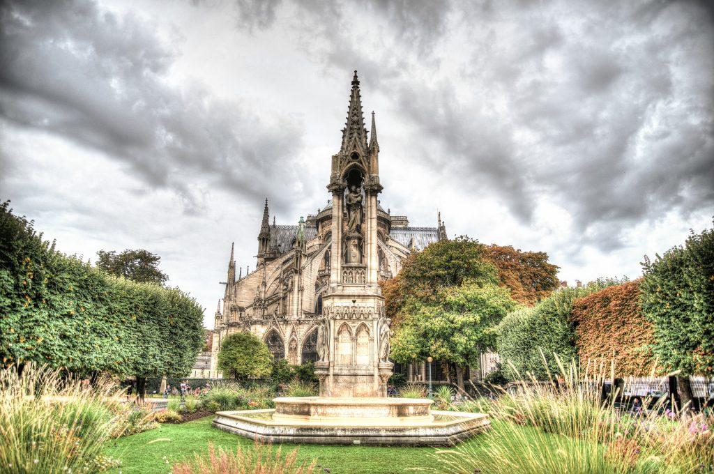 Lo que hay detras de la catedral de Notre Dame - 1
