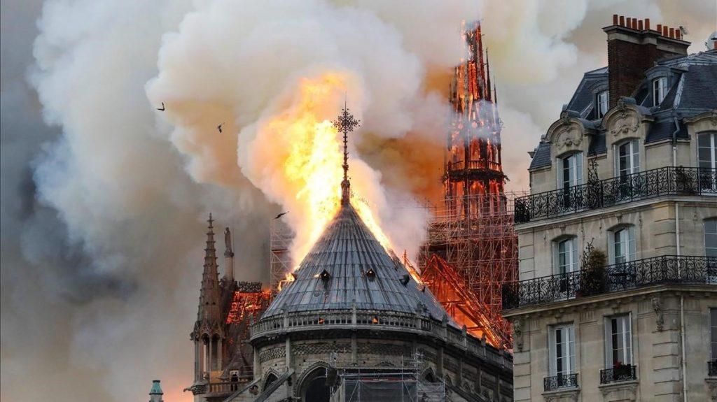 Lo que hay detras de la catedral de Notre Dame - 6