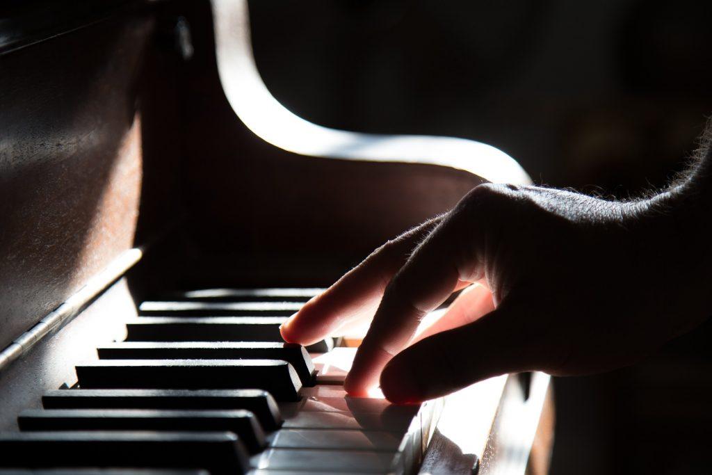 beneficios que conlleva tocar un instrumento 1