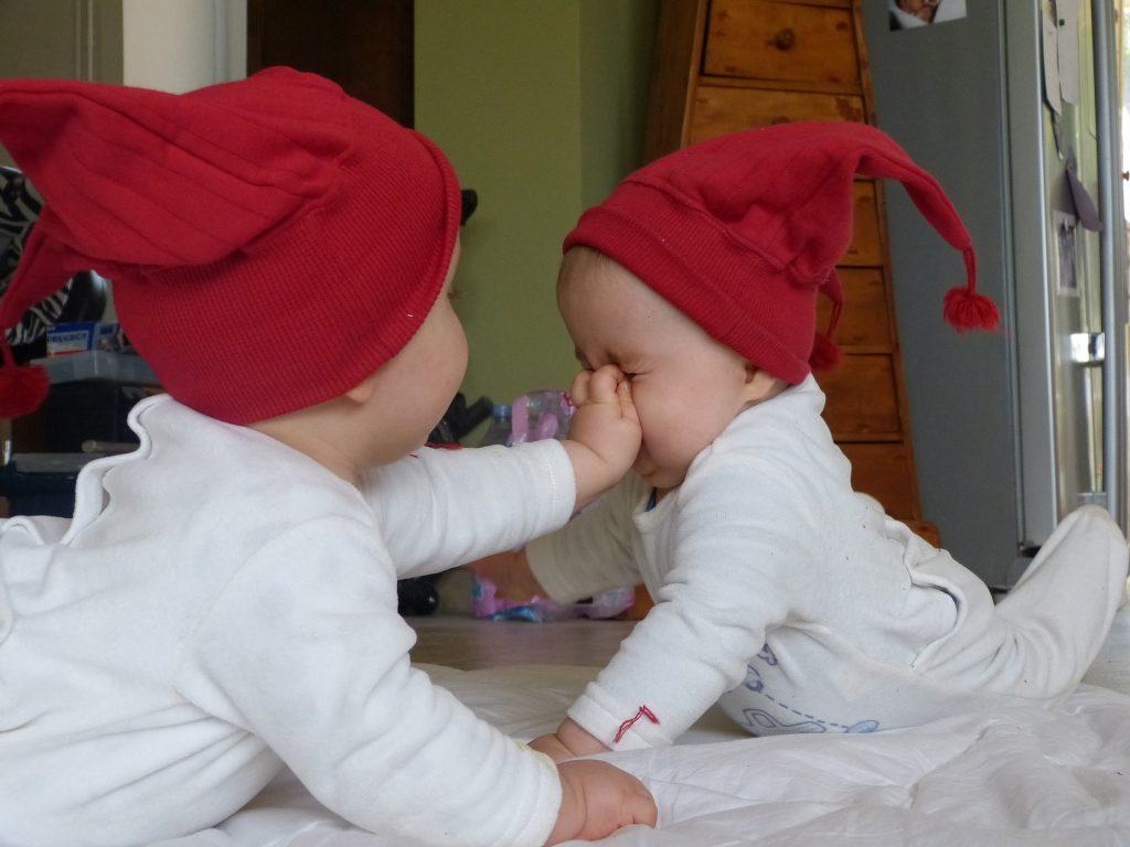gemelos bebe